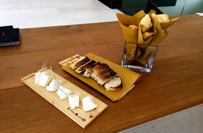 bread:cheese